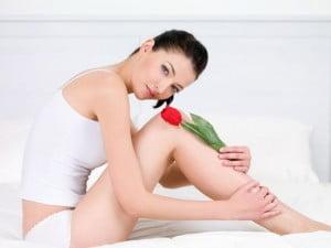 femeie-picioare-epilate