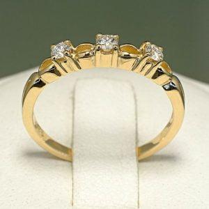 inel-din-aur-cu-diamante-094didi-900x900