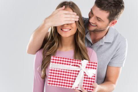 Top 5 modalitati de a-ti surprinde sotia