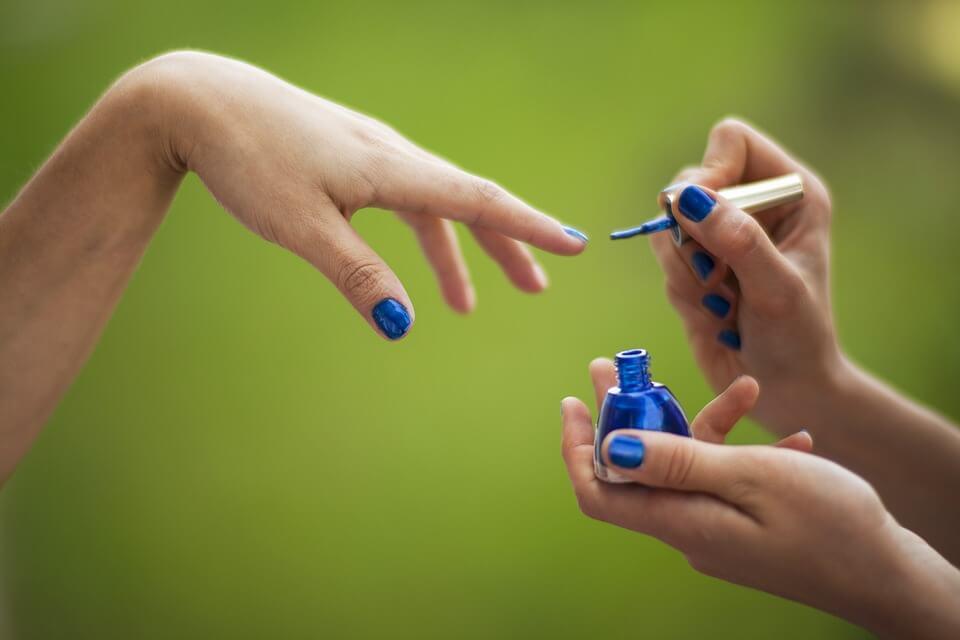 Instrumente de ingrijire a unghiilor acasa