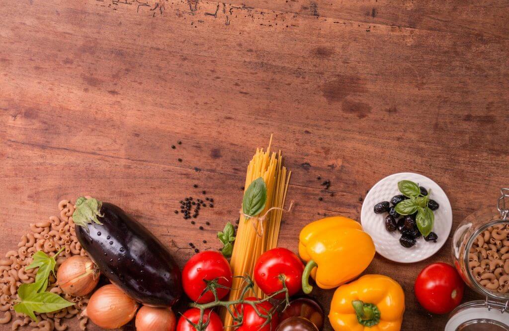 10 ingrediente esentiale pentru bucataria vegetariana