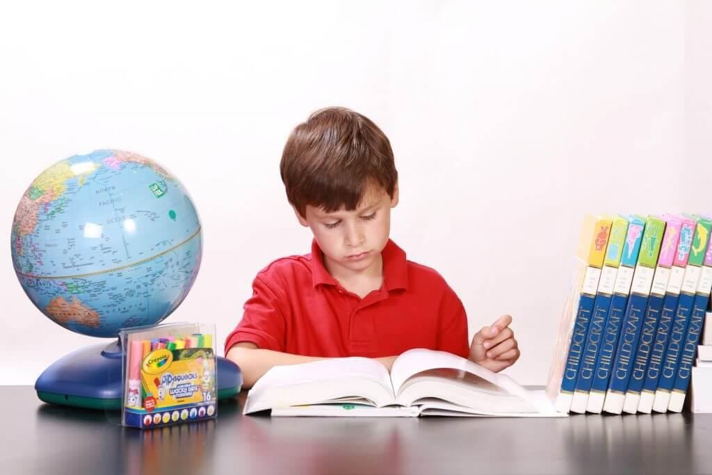Cum iti determini si incurajezi copilul sa invete