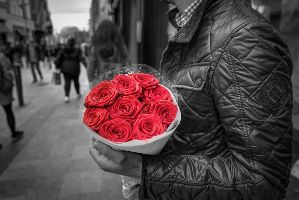 Cum sa alegi florile perfecte pentru sarbatoarea iubirii