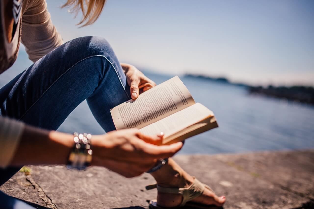 5 motive sa citesti carti de dezvoltare personala