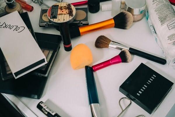 produse cosmetice pentru femei